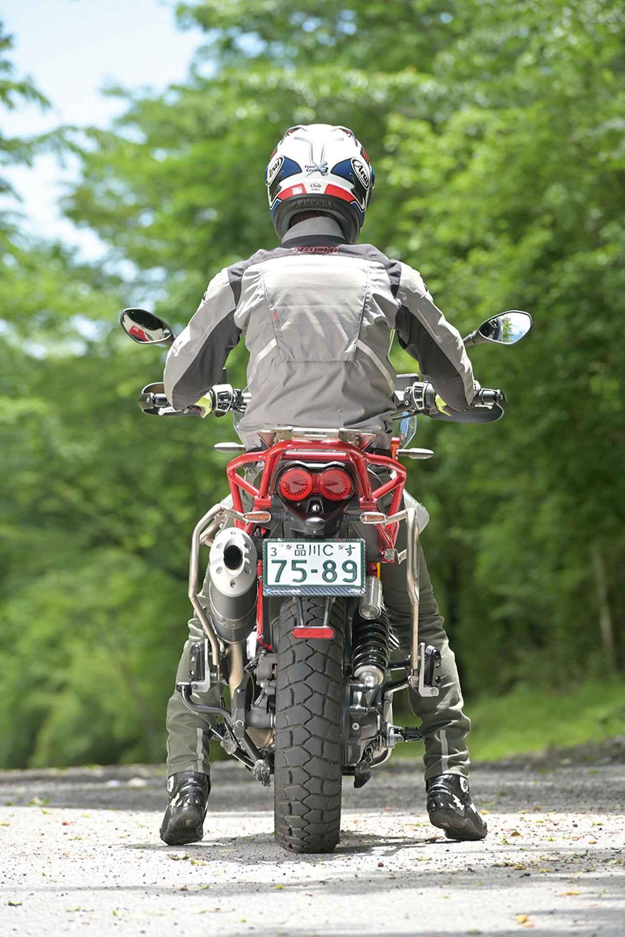 Images : 14番目の画像 - モト・グッツィ「V85TTの写真を全て見る - webオートバイ