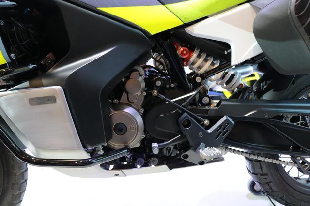 画像4: 同時に発表された890DUKEのエンジンを搭載!