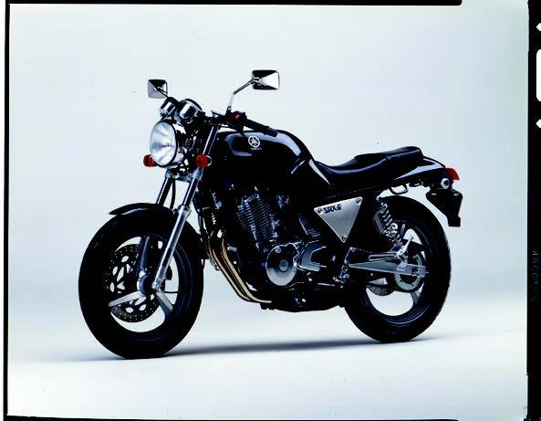 Images : ヤマハ SRX600 1988 年 8月