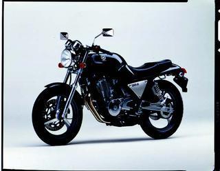 ヤマハ SRX600 1988 年 8月