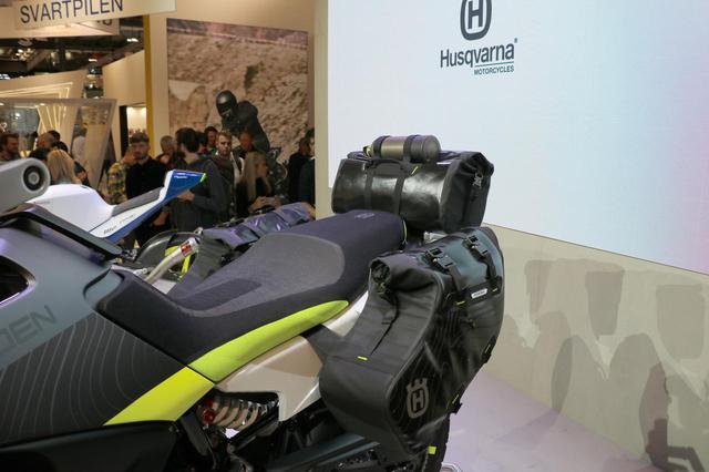 画像7: 同時に発表された890DUKEのエンジンを搭載!
