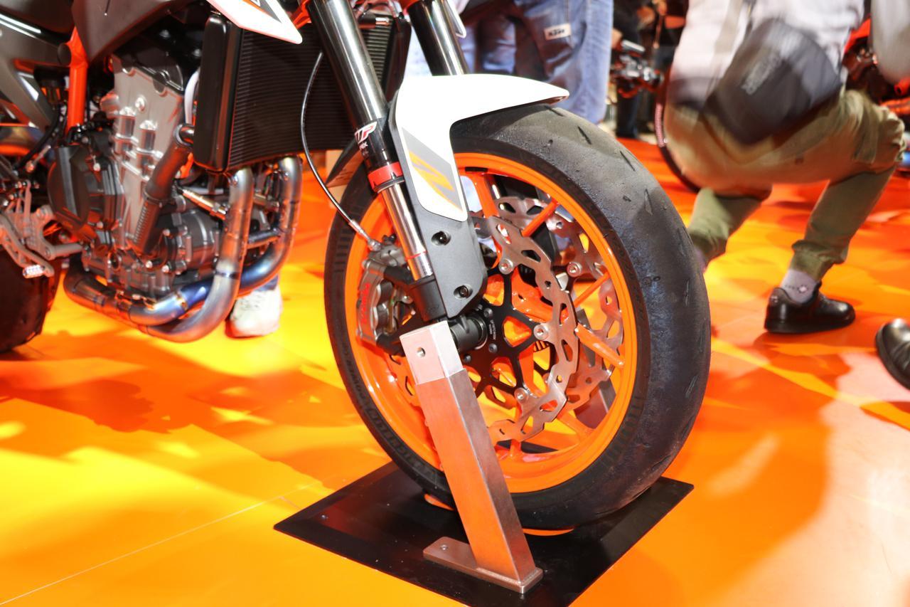 Images : 6番目の画像 - 890DUKE Rの写真をもっと見る! - webオートバイ