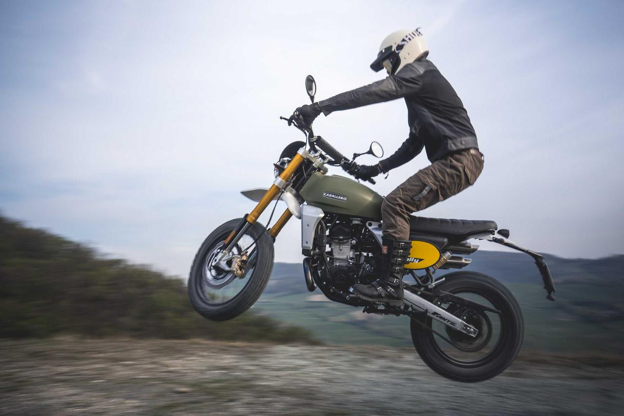 Images : 16番目の画像 - FANTIC CABALLERO「RALLY500」の写真を全て見る! - webオートバイ
