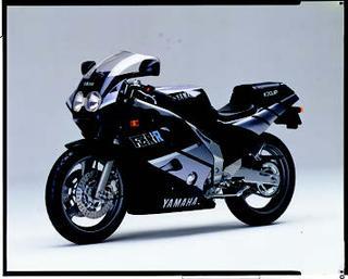 ヤマハ FZR250R 1989 年 3月