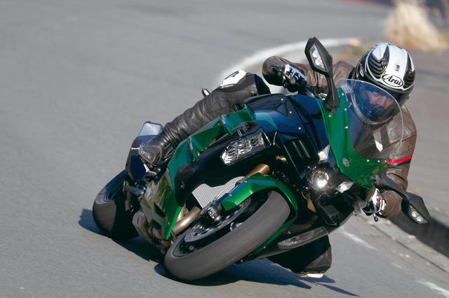 画像: <試乗インプレ>ついに国内デビュー! 最強最速のGTスポーツ!KAWASAKI NINJA H2 SX SE - webオートバイ