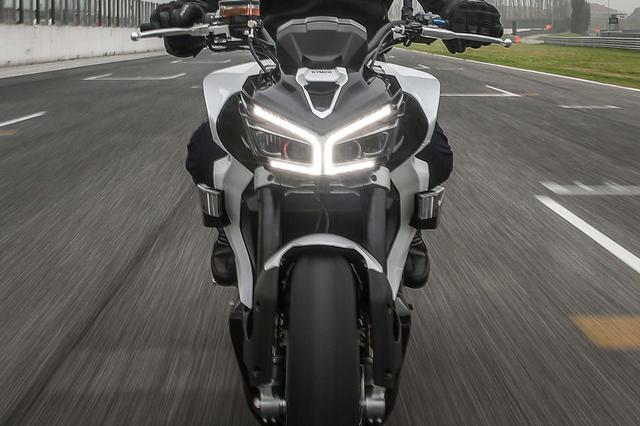 画像: キムコが市販化を見据えた電動スポーツバイク「RevoNEX」を発表!【EICMA 2019速報!】 - webオートバイ