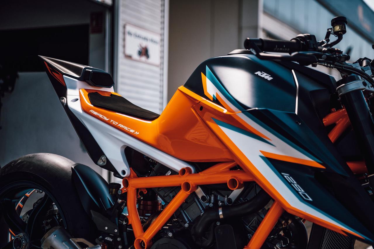 Images : 18番目の画像 - KTM「1290 SUPER DUKE R」の写真を全て見る! - webオートバイ