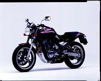 Images : ヤマハ SRX600 1990 年 3月