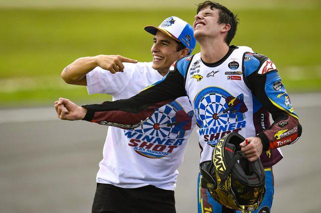 画像: 兄弟でのワールドチャンピオンはアレックスがMoto3、マルクがMotoGPを制した2014年に続いて2度目!
