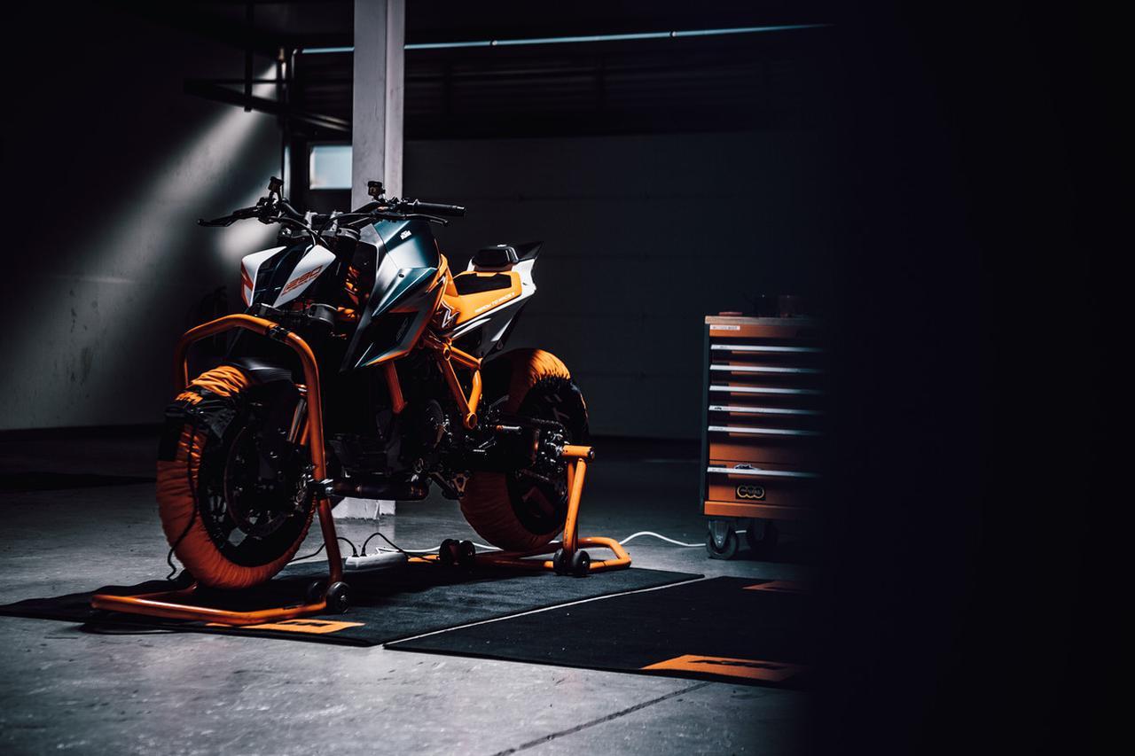 Images : 16番目の画像 - KTM「1290 SUPER DUKE R」の写真を全て見る! - webオートバイ