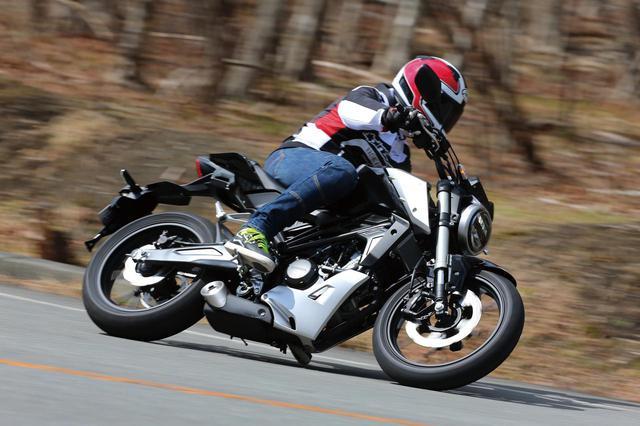 画像: ホンダ「CB125R」試乗インプレッション! クラスを超えた設計&装備でスポーツ走行も楽しめる原付二種 - webオートバイ