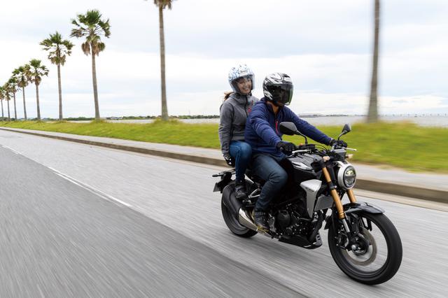 画像1: Honda CB250R/「これぞホンダ!」まとまり感のあるハンドリング