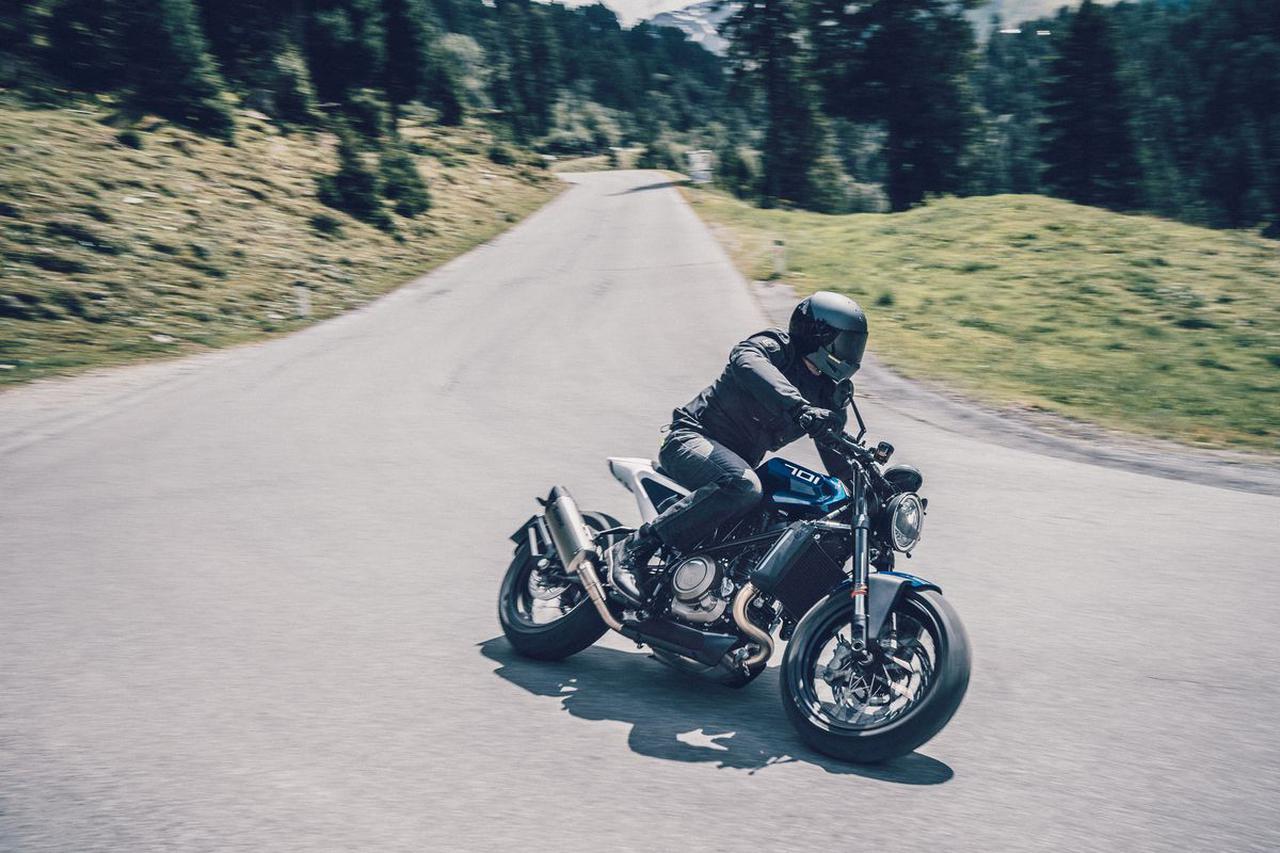 Images : 6番目の画像 - 新型「VITPILEN 701」「SVARTPILEN 701」の写真をもっと見る! - LAWRENCE - Motorcycle x Cars + α = Your Life.