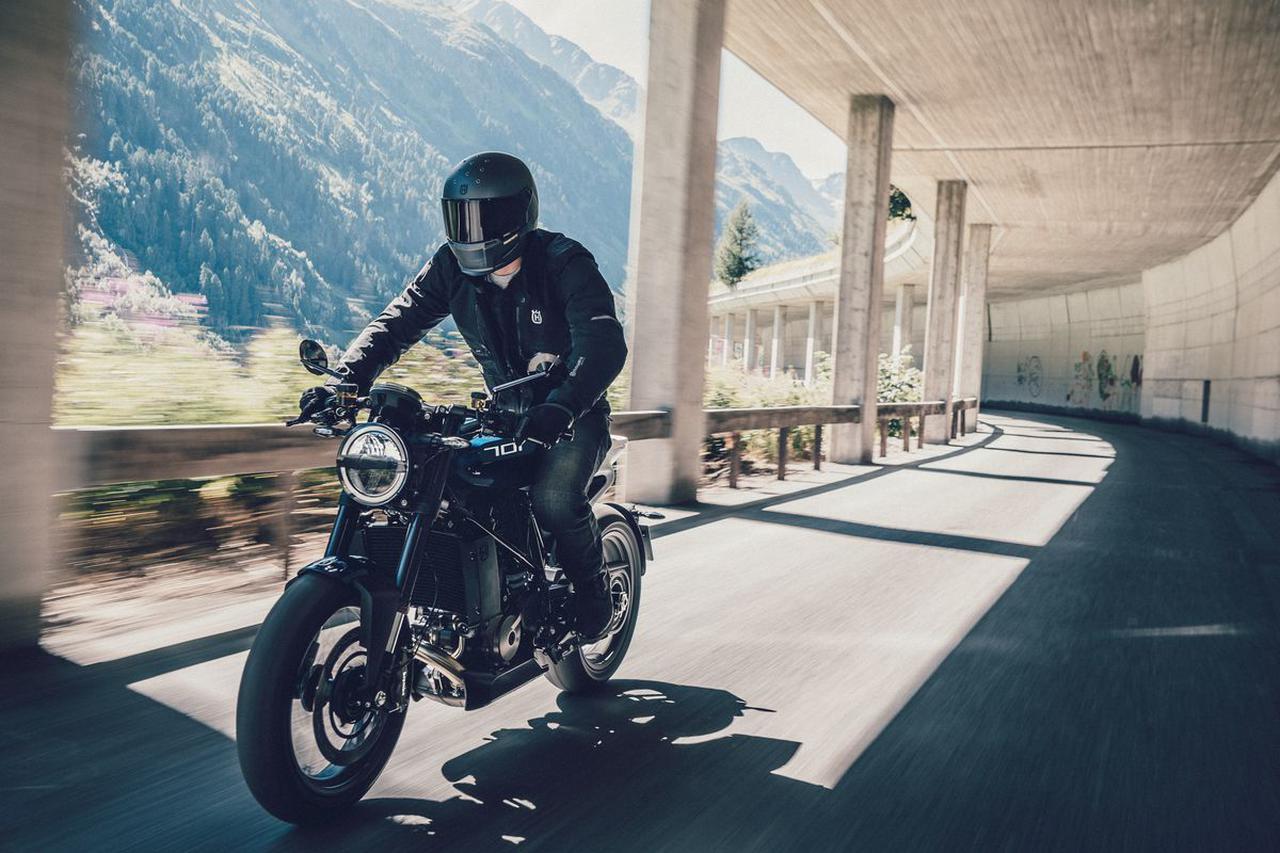 Images : 3番目の画像 - 新型「VITPILEN 701」「SVARTPILEN 701」の写真をもっと見る! - LAWRENCE - Motorcycle x Cars + α = Your Life.