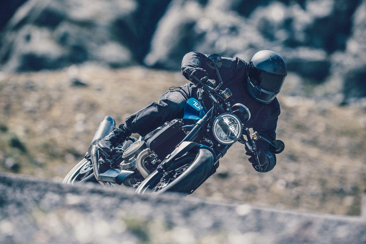 Images : 5番目の画像 - 新型「VITPILEN 701」「SVARTPILEN 701」の写真をもっと見る! - LAWRENCE - Motorcycle x Cars + α = Your Life.