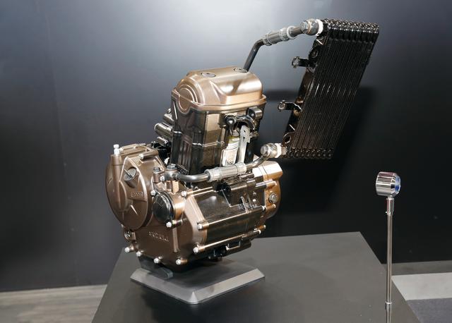 画像: 軽量・コンパクトを追求して採用された油冷シングルユニット。あえてSOHCとし、冷却フィンも省略した徹底ぶりだ。