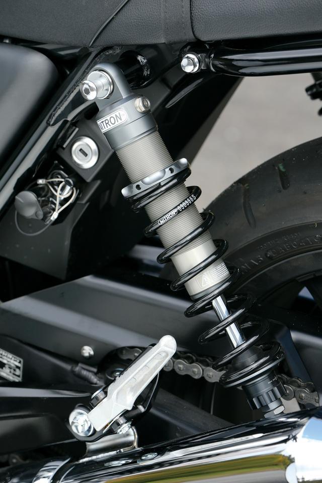 画像1: 平嶋夏海のバイクインプレ「Honda CB1100RS LOW STYLE」(レガーレ)足つき性抜群の〈ロースタイル〉だから身長154cmでも安心!?