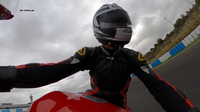 画像: Ducati Panigale V2 解説 by 松井 勉 こちらの動画が見られない方、大きな画面で見たい方はYOU TUBEのWEBサイトで直接ご覧下さい。 https://youtu.be/PK23EXu13JI ※リンク出来ない場合はURLを直接ペーストしてください。 youtu.be