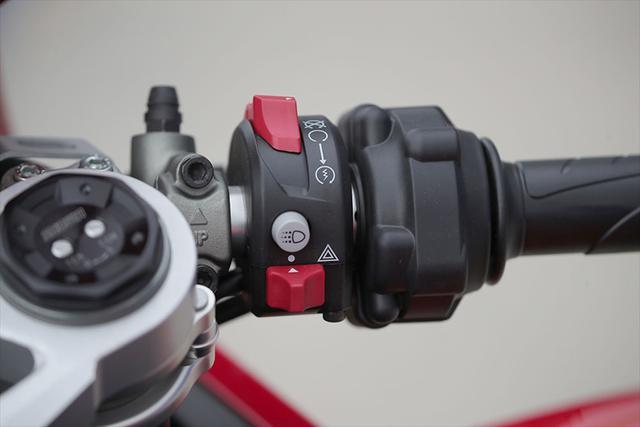 画像10: 【動画あり】DUCATI Panigale V2「トップたる所以。V2に込めた熱量を識る」 (松井勉)♯Web Mr.Bikeインプレッション