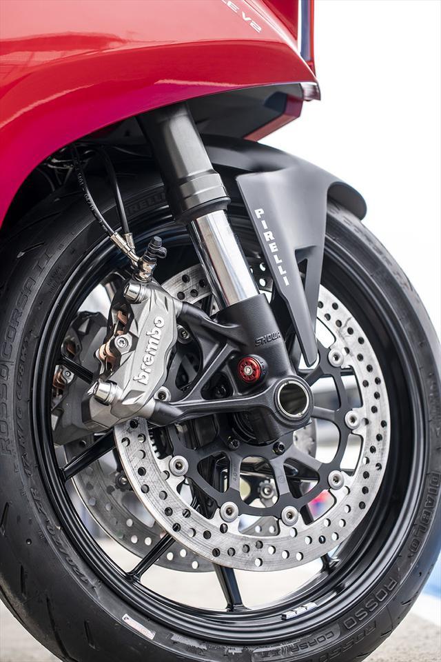 画像9: 【動画あり】DUCATI Panigale V2「トップたる所以。V2に込めた熱量を識る」 (松井勉)♯Web Mr.Bikeインプレッション