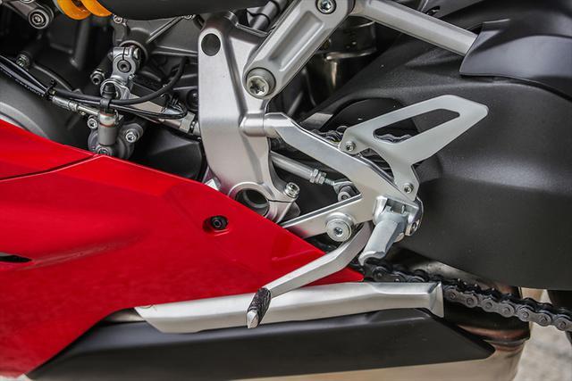 画像15: 【動画あり】DUCATI Panigale V2「トップたる所以。V2に込めた熱量を識る」 (松井勉)♯Web Mr.Bikeインプレッション
