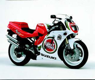 スズキ RGV250Γ/SP 1994 年 3月/5月