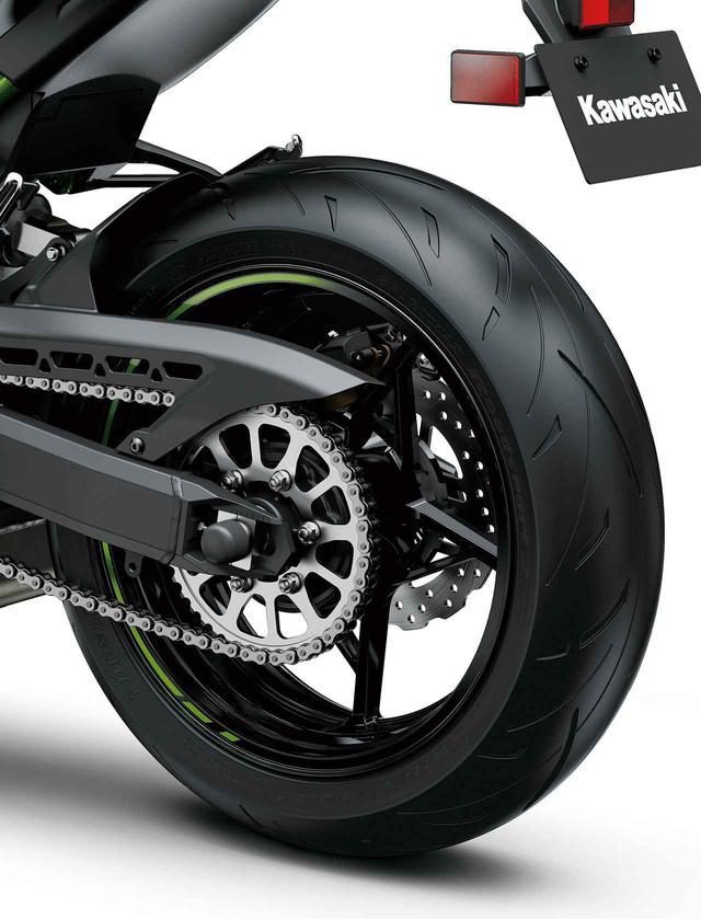 画像: タイヤはダンロップの「SPORTMAX Roadsport 2」を新採用。