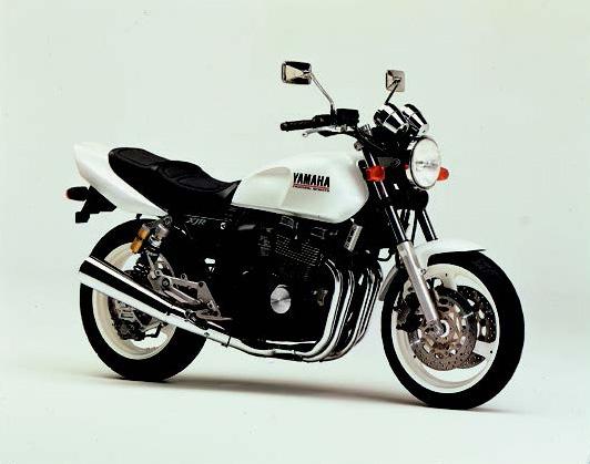 Images : ヤマハ XJR400S 1994 年7月