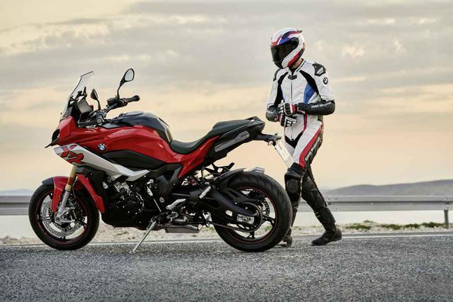 画像: BMWが新型「S1000XR」をミラノで発表、エンジン単体で5kgの軽量化を実現、最新装備も満載に!【EICMA 2019速報!】 - webオートバイ