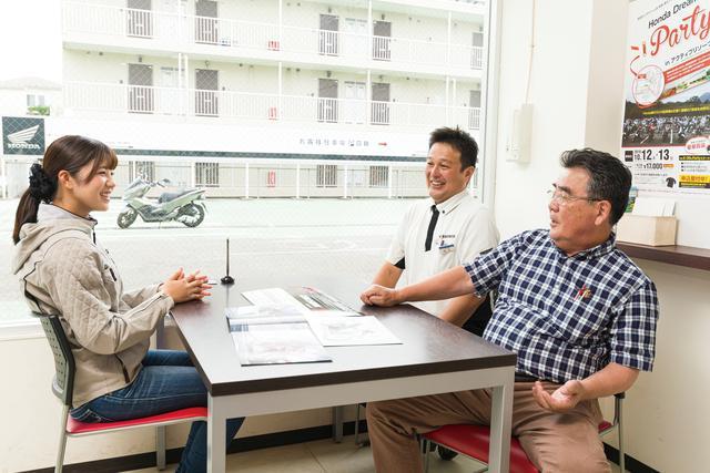 画像: 代表の星野さん(手前)と店長の原さん(右奥)は、ふたり揃ってトーク上手で取材中ずっと楽しかったです!
