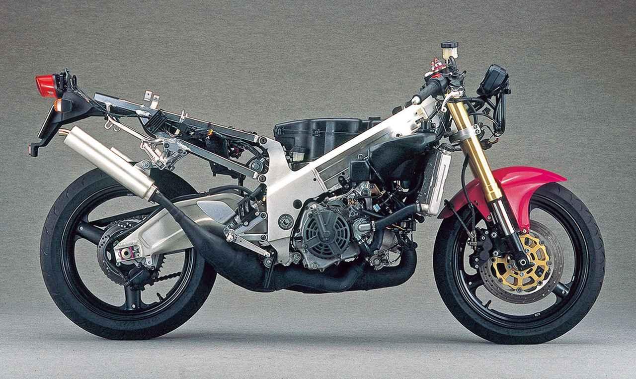 Images : 5番目の画像 - 「【RG-Γ伝】Vol.6「レプリカブームを牽引した250ガンマの最終型」RG250Γ SP(VJ23A)-1996〜1999- 〜当時の貴重な資料で振り返る栄光のガンマ達〜」のアルバム - webオートバイ