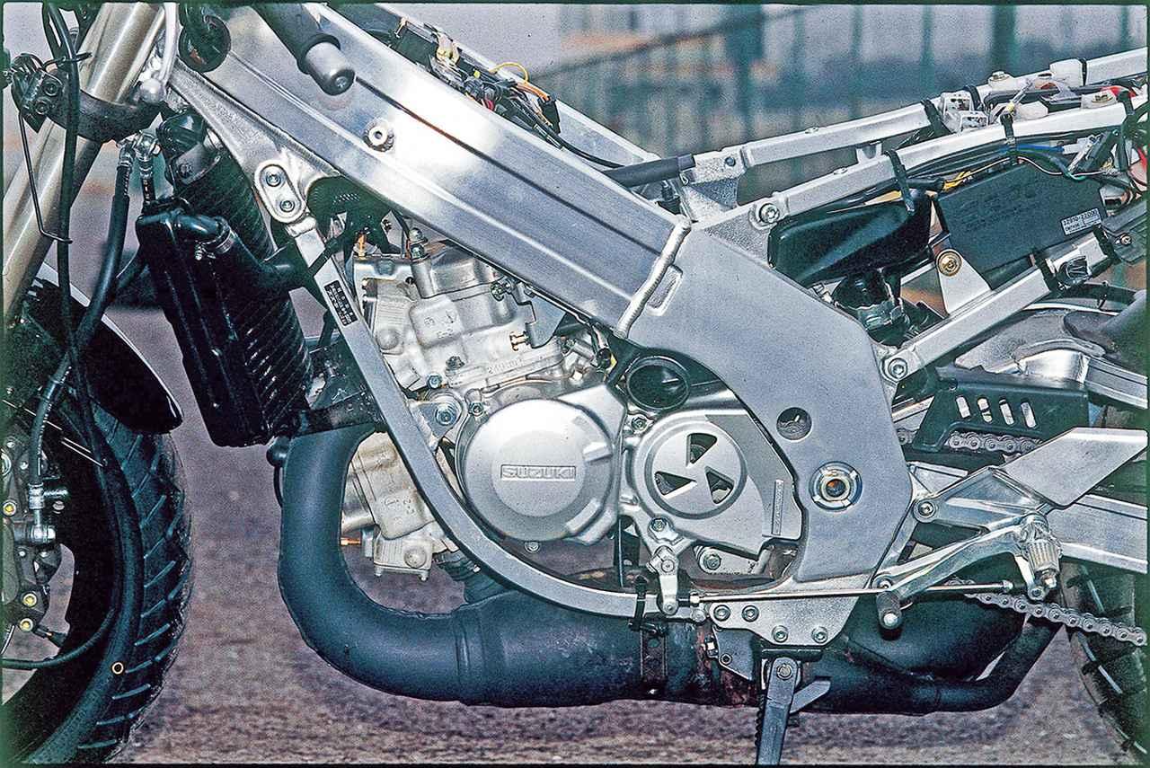 Images : 11番目の画像 - RG250Γ(VJ22A)の写真を全て見る! - webオートバイ