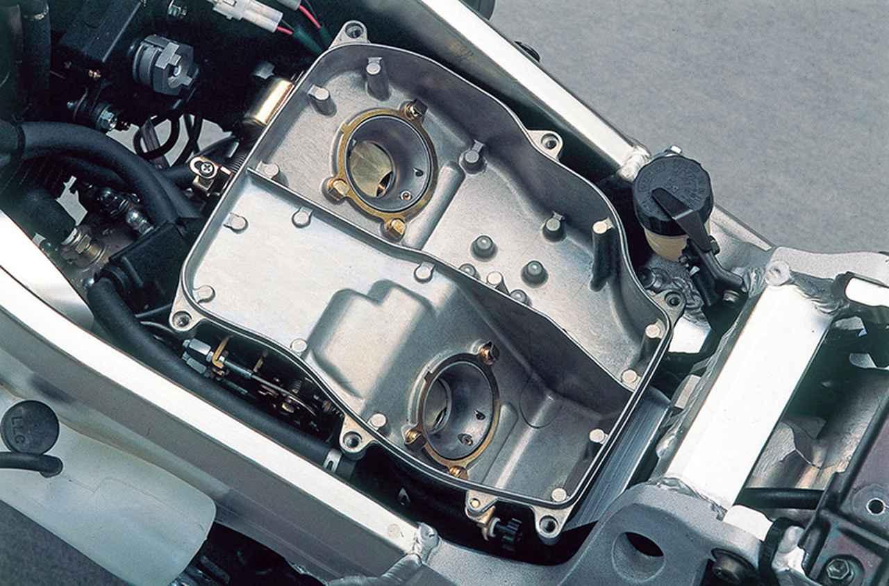 Images : 9番目の画像 - 「【RG-Γ伝】Vol.6「レプリカブームを牽引した250ガンマの最終型」RG250Γ SP(VJ23A)-1996〜1999- 〜当時の貴重な資料で振り返る栄光のガンマ達〜」のアルバム - webオートバイ