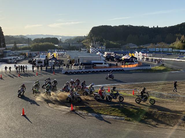 画像9: レースそれぞれのドラマティックな戦い。