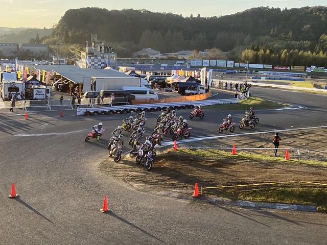 画像4: レースそれぞれのドラマティックな戦い。
