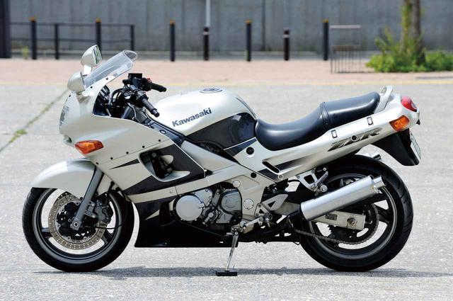 画像: Kawasaki ZZR400(1990年)<ヨンヒャク今昔物語>-Be Reborn- - webオートバイ