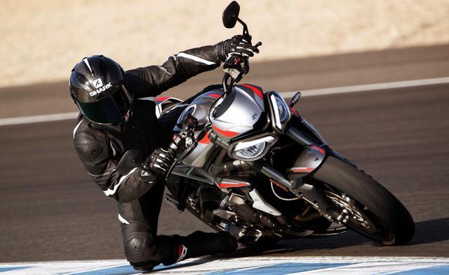 画像: トライアンフが新型「STREET TRIPLE RS」を発表! クラス最軽量で、エンジンの出力&トルクを増強! - webオートバイ