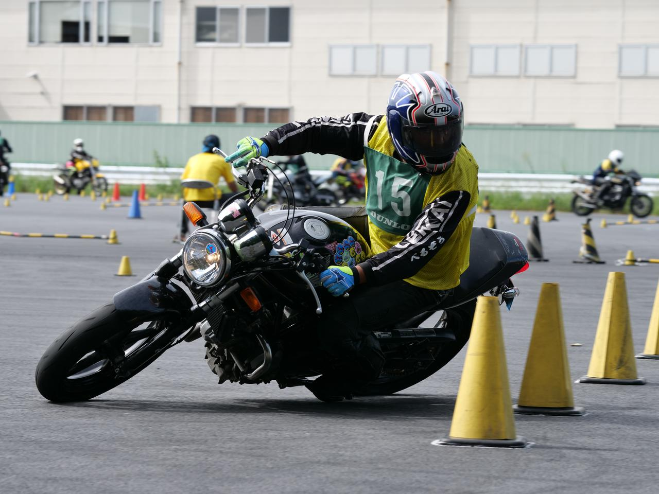 Images : 48番目の画像 - ジムカーナで活躍するホンダ「VTR」をもっと見る! - LAWRENCE - Motorcycle x Cars + α = Your Life.