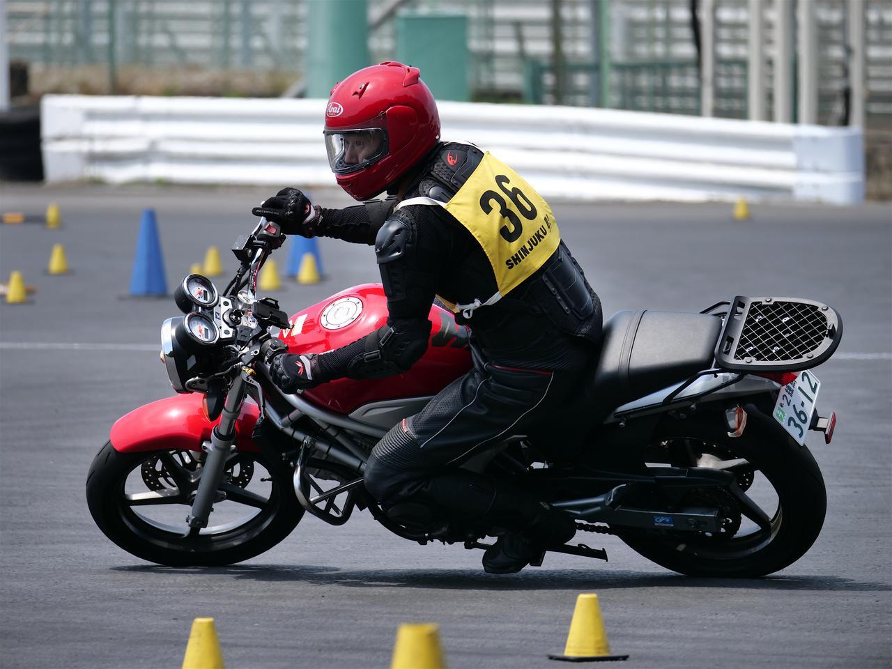 Images : 6番目の画像 - ジムカーナで活躍するホンダ「VTR」をもっと見る! - webオートバイ