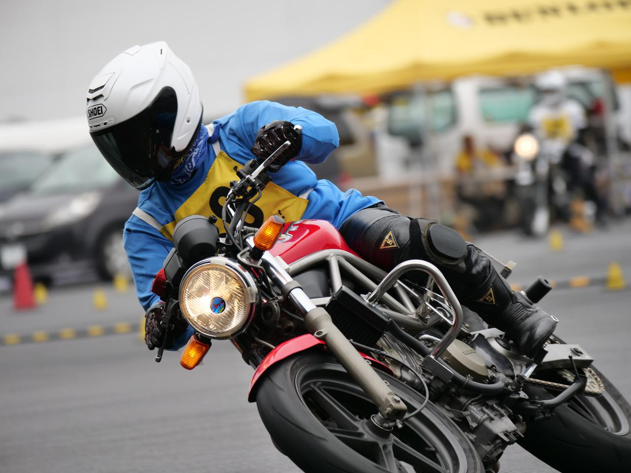 Images : 29番目の画像 - ジムカーナで活躍するホンダ「VTR」をもっと見る! - LAWRENCE - Motorcycle x Cars + α = Your Life.
