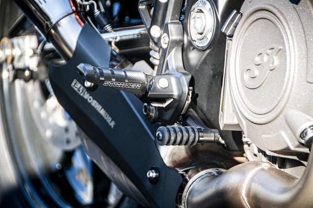 画像: こちらもFTR1200専用ではないですが、知り合いにバイク量販店のスタッフの方がいて、FTR1200に装着できるストライカー製のステップを探してもらったそうです。