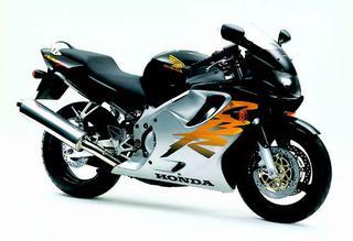 ホンダ CBR600F 1999 年 4月