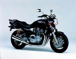 ヤマハ XJR1300 1999 年 3月