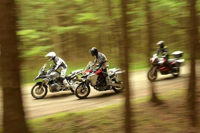 画像1: 【3大ADV比較インプレ】-Part.2- キング・オブ・アドベンチャー頂上決戦「トラベルキングの条件」KTM 1290スーパーアドベンチャーR 編 - webオートバイ