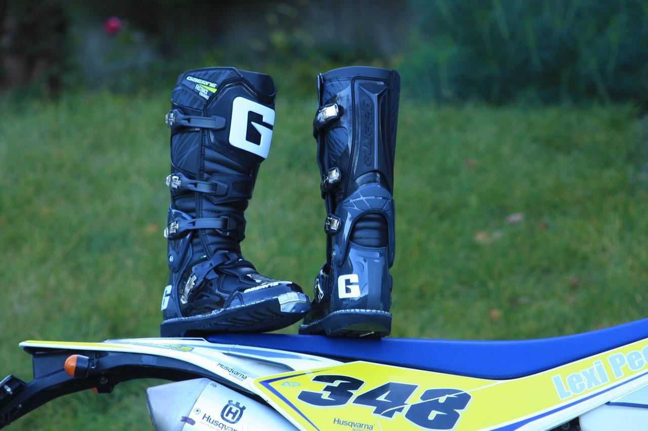 画像: BTM通信 vol.12 人気モデルのFASTBACKが、現代のエンデューロニーズに対応して再デビュー - webオートバイ