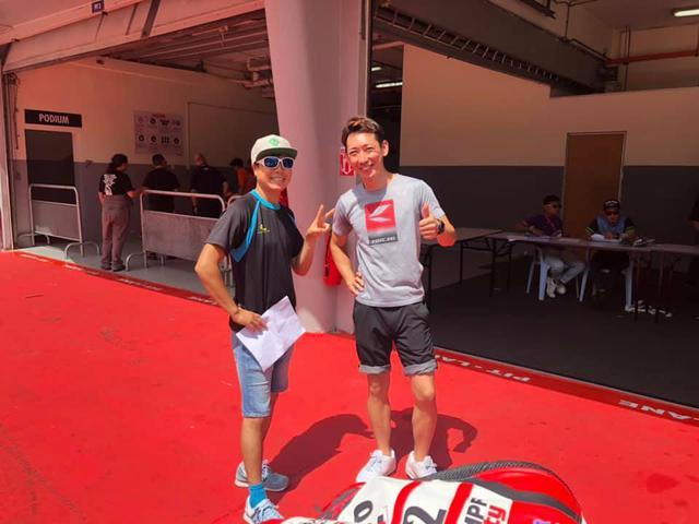 画像: 世界耐久レギュラーチームからスポット参戦のオファーを受けて出場した大久保光(左)と今野由寛