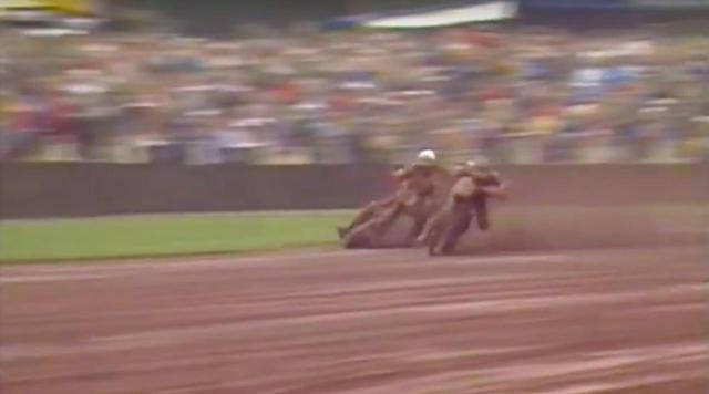 画像: [動画] 超高速サイド・バイ・サイド!! スピードウェイの名勝負をご堪能ください!! - LAWRENCE - Motorcycle x Cars + α = Your Life.