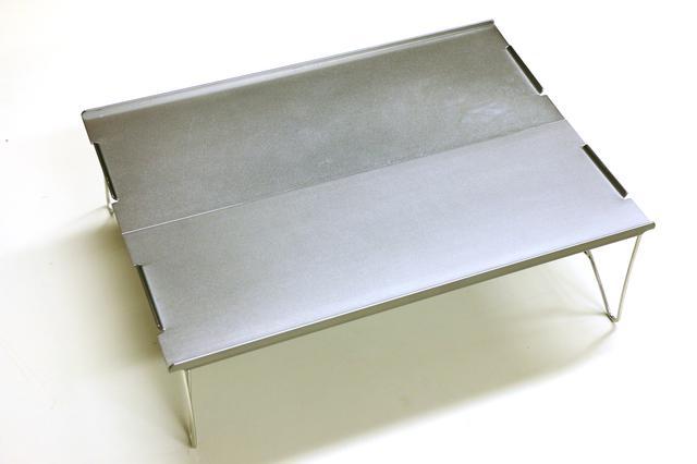画像: 素材:アルミ/展開サイズ:長さ35×幅25×高さ10cm収納サイズ:長39×幅15cm:重量:590g(収納ケース含む)/負荷重量:約10kg