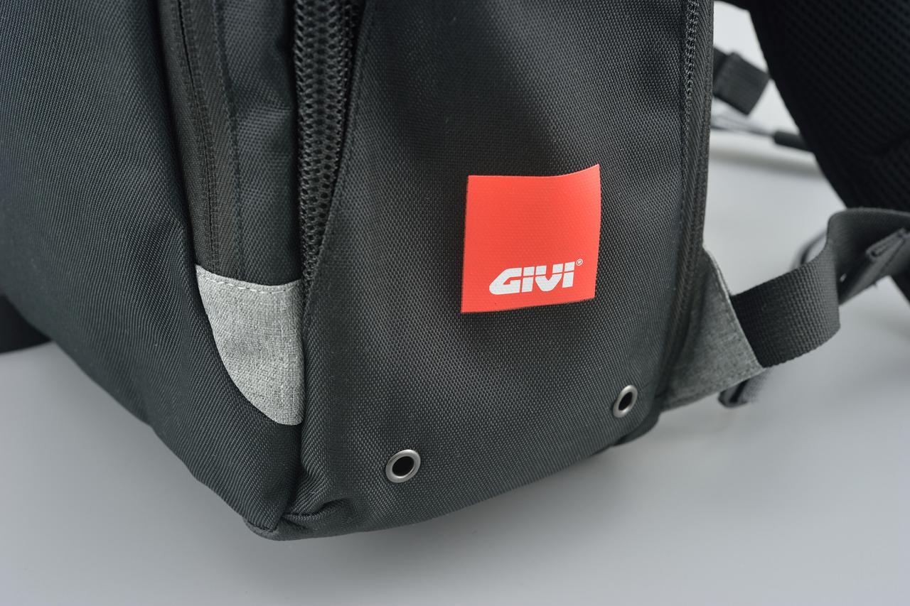 Images : 7番目の画像 - GIVI EA124 バックパックの写真をもっと見る - webオートバイ