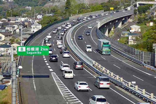 画像: 渋滞にハマってもイライラせずに、くれぐれもセーフティツーリング&ドライブを!